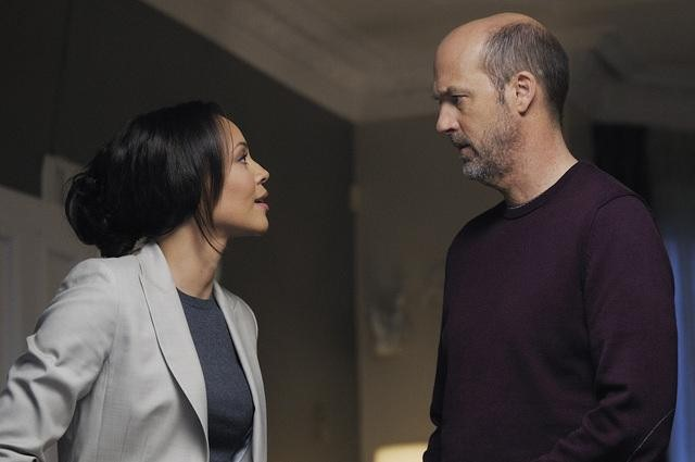 Carmen Ejogo and Anthony Edwards in Zero Hour.<br />