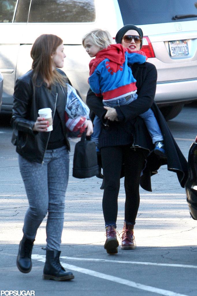Gwen Stefani carried Zuma Rossdale.