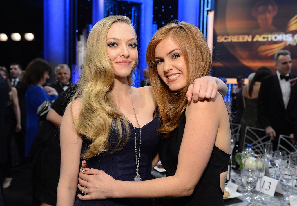 At the SAG Awards, Amanda Seyfried threw her arm around Isla Fisher.