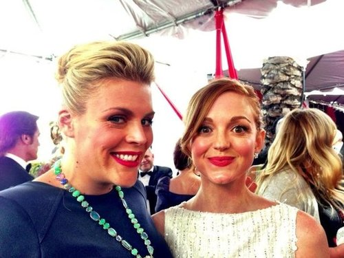 Busy Philipps and Jayma Mays posed together on the SAGs red carpet. Source: Twitter user Busyphilipps25