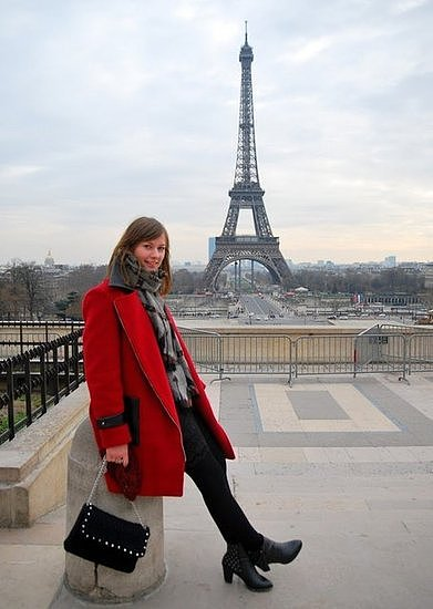 Congrats, Euphoriasroom! The Eiffel Tower is the perfect accessory.
