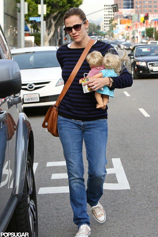 Jennifer Garner and Seraphina Affleck Do Breakfast Then Karate