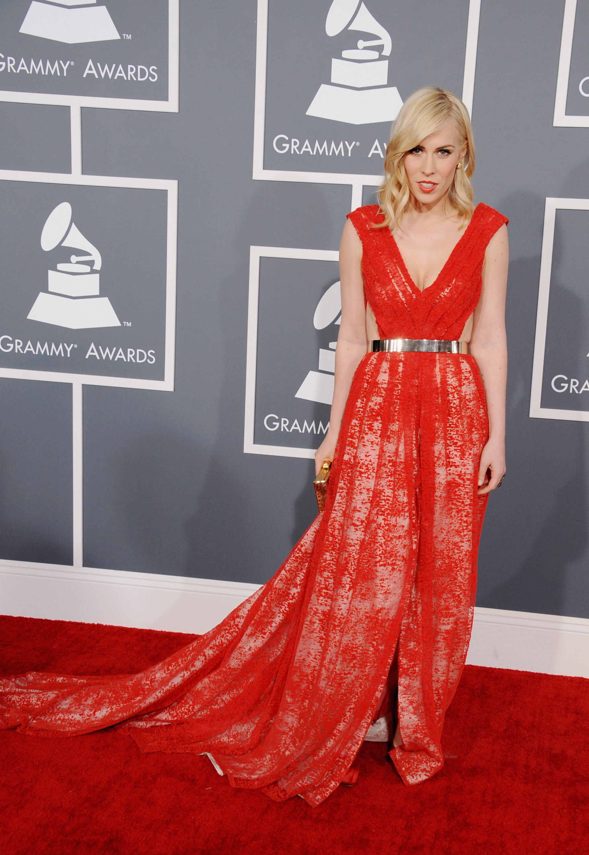 Natasha Bedingfield wore red to the Grammys.
