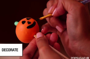 How to Make Halloween Cake Pops (VIDEO)