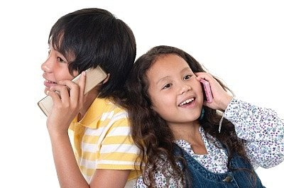 Munchkins with Mobiles: When Your 7 Year-Old Wants a Cell Phone