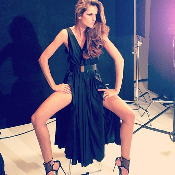 Izabel Goulart got sexy during a photo shoot. Source: Twitter user iza_goulart