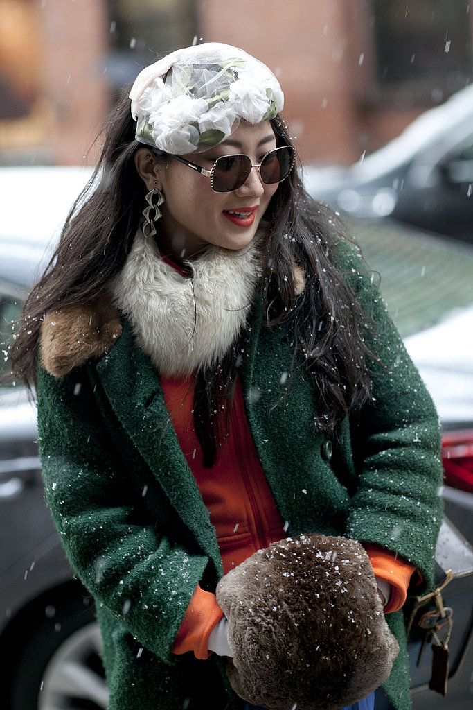 We're loving this woman's floral-laced head topper, a rather Spring-like addition to her otherwise Winter-friendly ensemble.