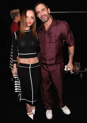 Christina posed with Marc Jacobs backstage.