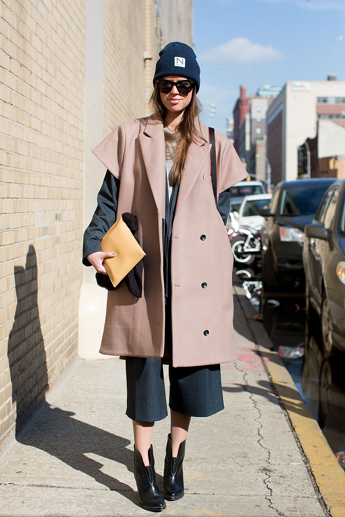 A voluminous, sleeveless coat provided just enough drama in this sportier look.