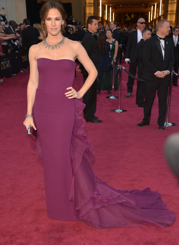 Jennifer Garner on the red carpet at the Oscars 2013.