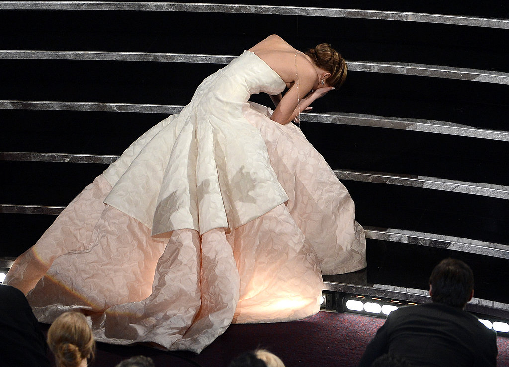 Jennifer Lawrence slipped going up to the Oscar stage.