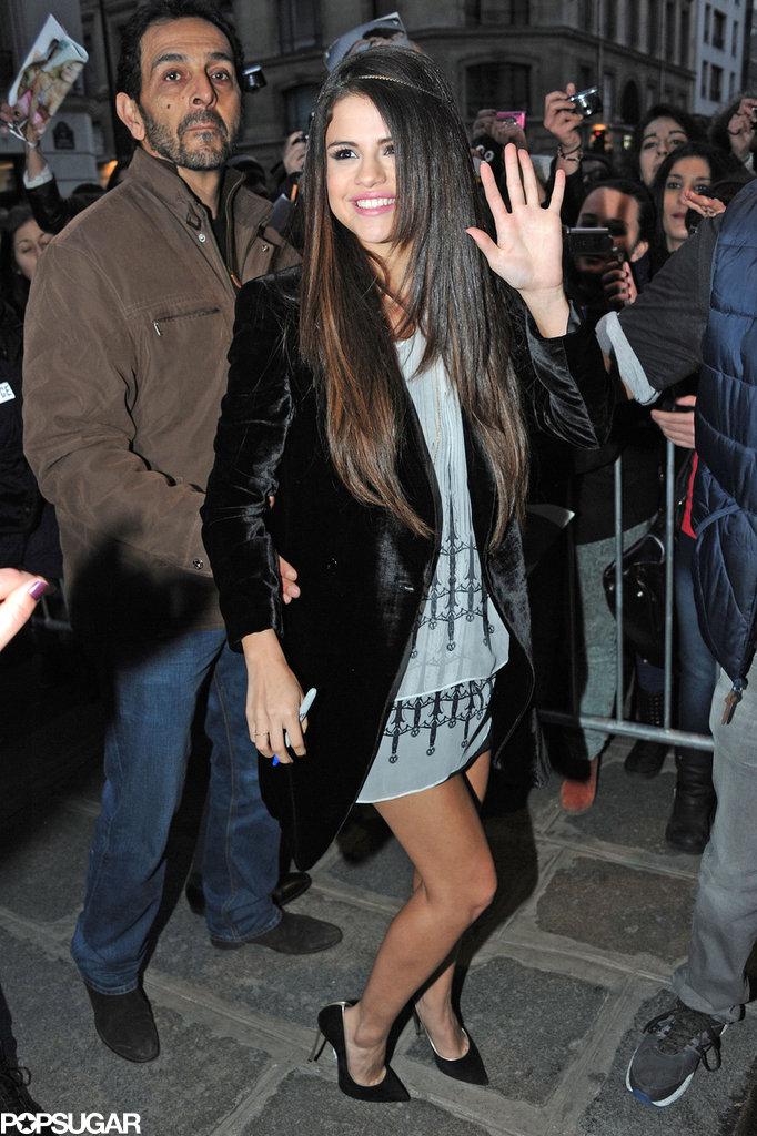 Selena Gomez walked to her Paris hotel.