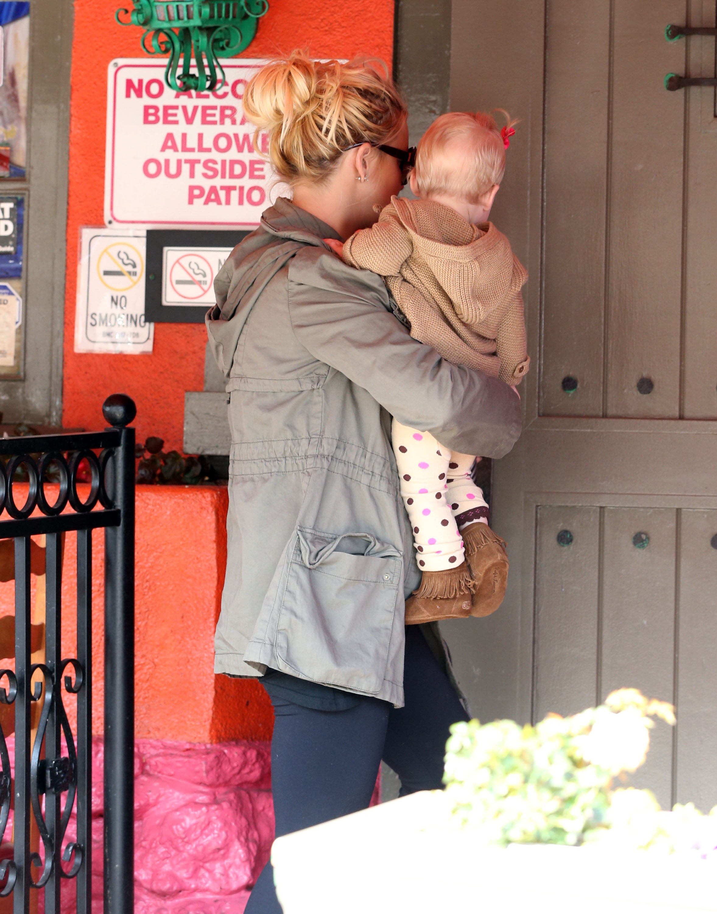 Jessica Simpson held daughter Maxwell as they arrived at a Mexican restaurant in LA.