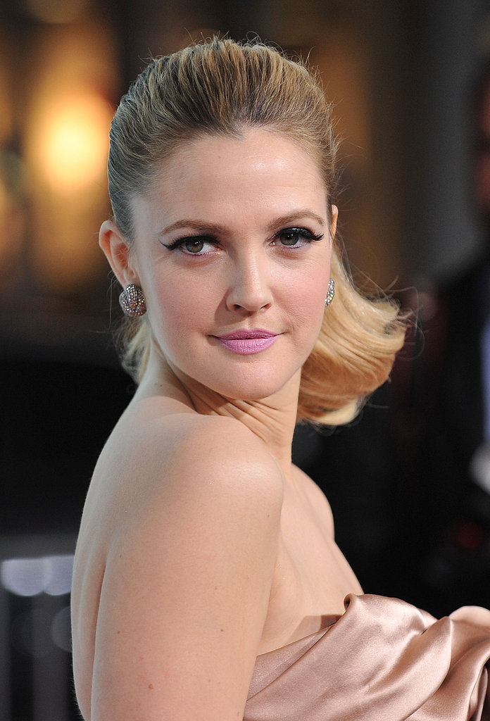 Pink lips and a flippy ponytail made up Drew's look du jour at the premiere of He's Just Not That Into You.