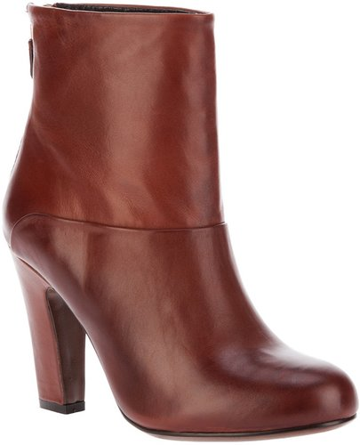 Lola Cruz ankle boot