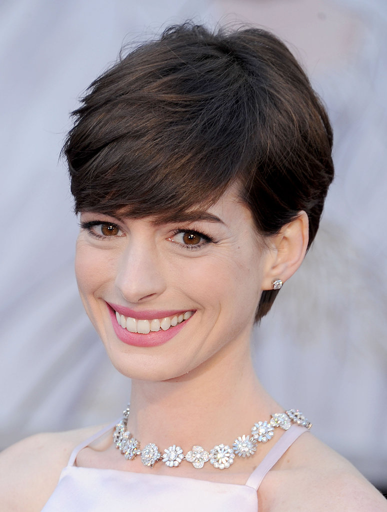 Anne Hathaway's Hair | Oscars Hair and Beauty: Get the 11 ...