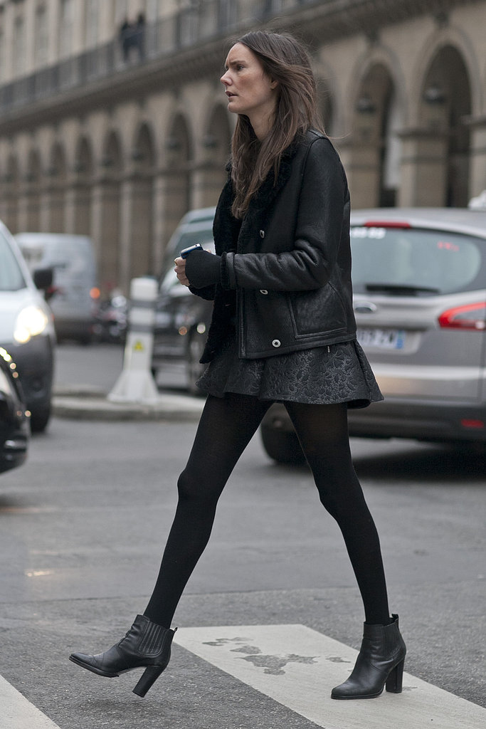 Street-chic in all-black.