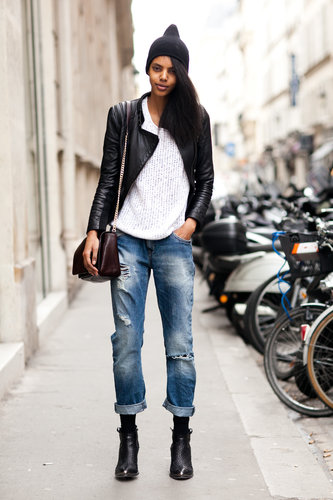 Boyfriend denim with a street-cool finish via a beanie, ankle booties, and a leather jacket. Source: Le 21ème | Adam Katz Sinding