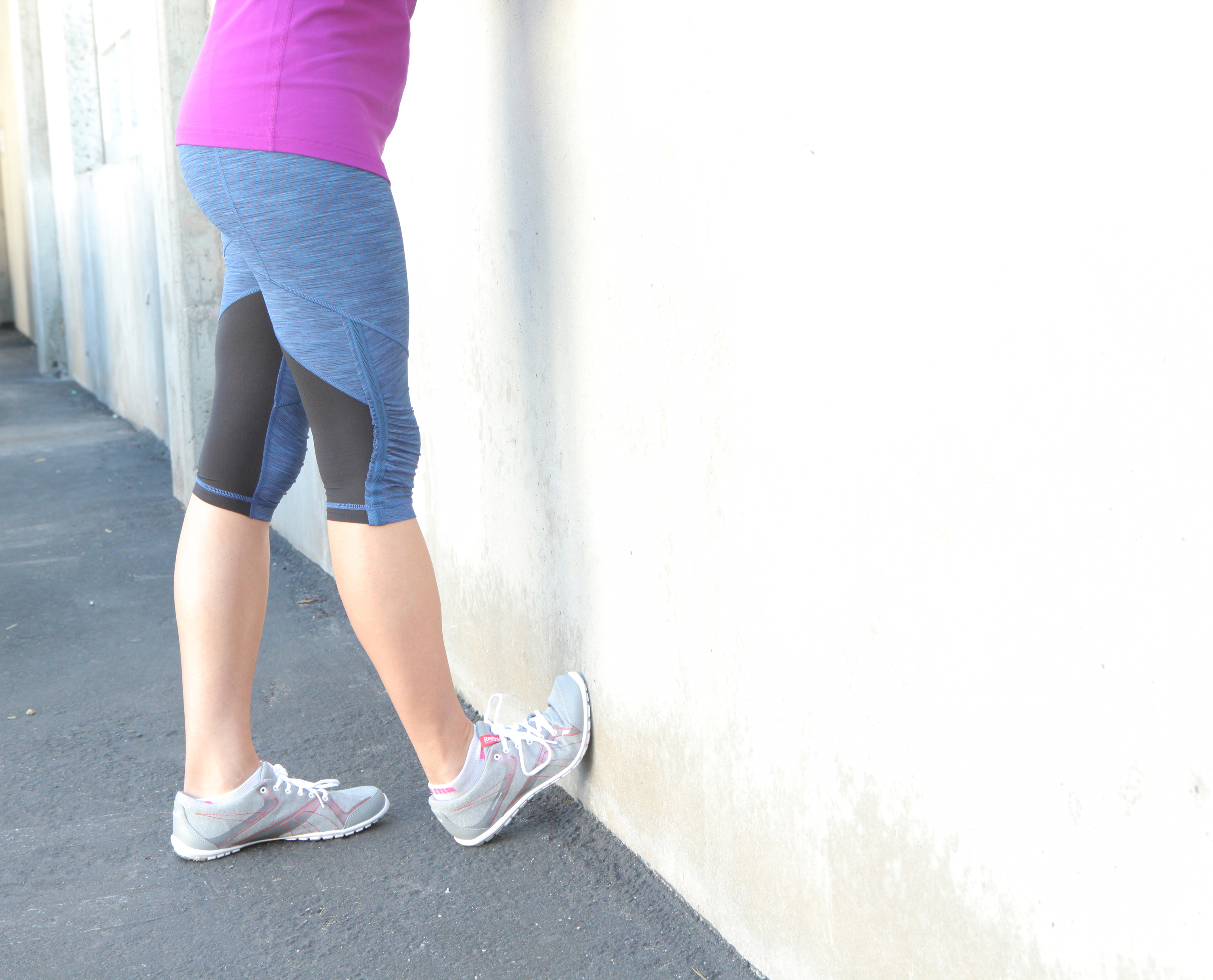 Wall Or Curb Stretch 5 Ways To Stretch Your Calves A