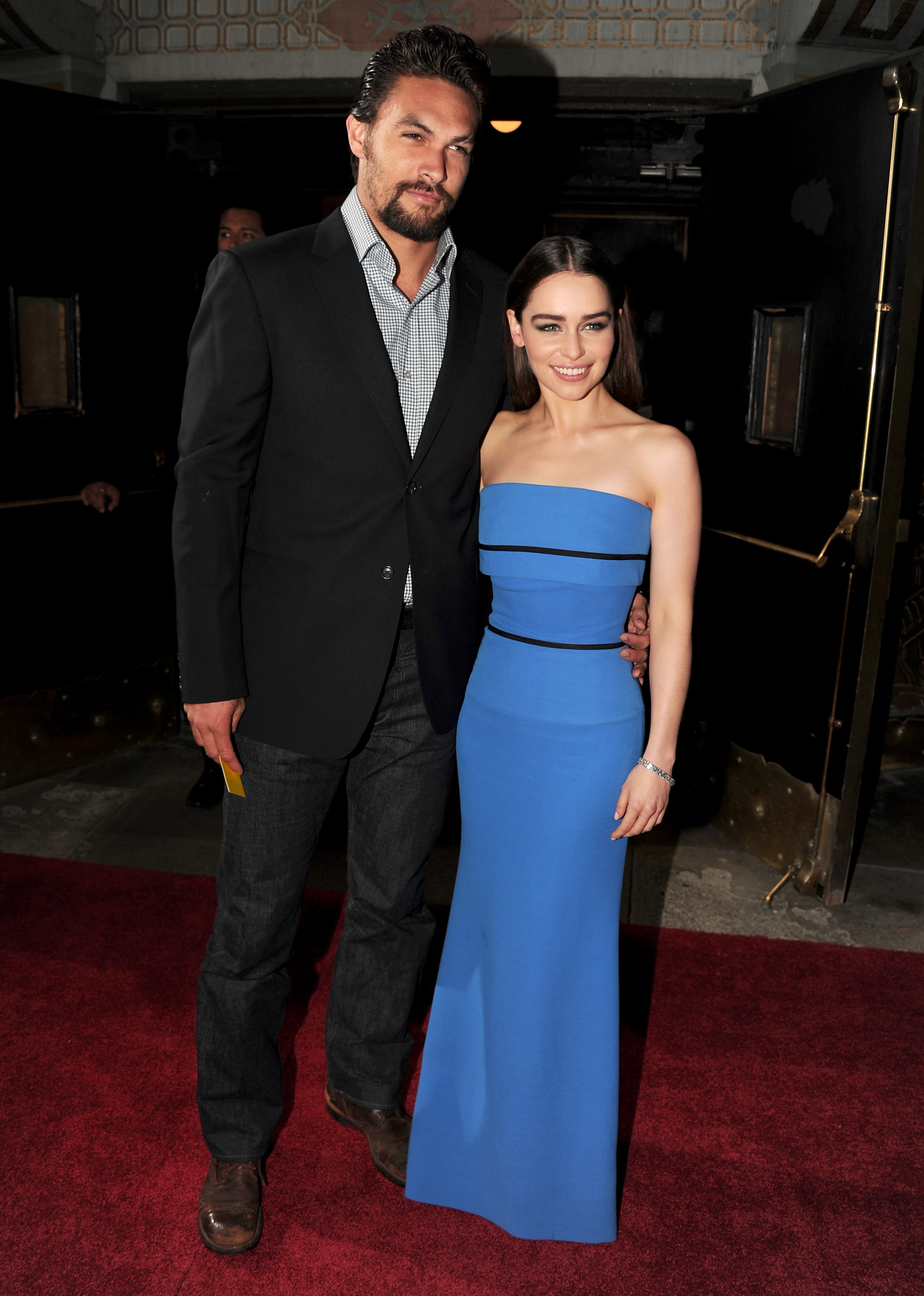 Emilia Clarke posed with Jason Momoa. | Emilia Clarke and ...