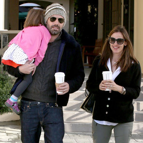 Ben Affleck and Jennifer Garner Carry Seraphina | Pictures