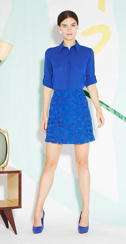 We always welcome cobalt in our lives, and this monochromatic styling is just what Spring ordered.