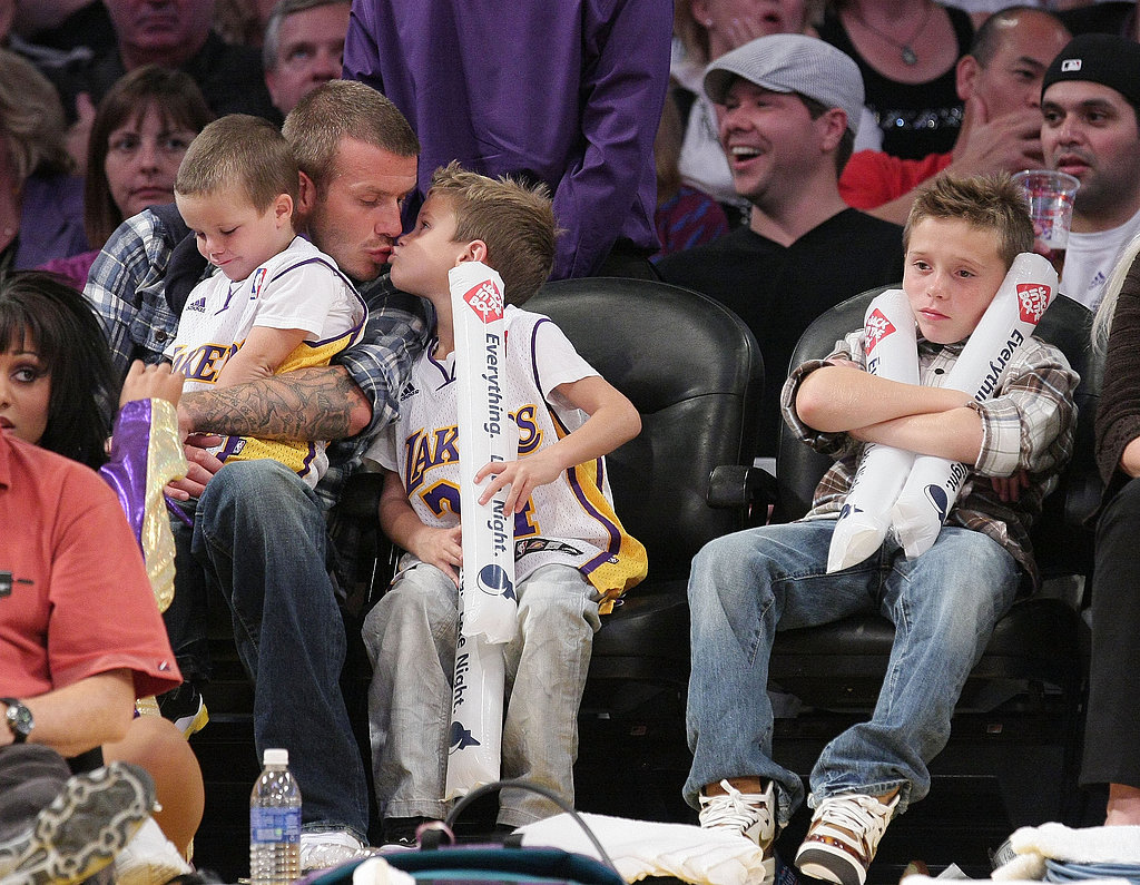 Cruz and Romeo joined David Beckham for a November 2008 Lakers game.