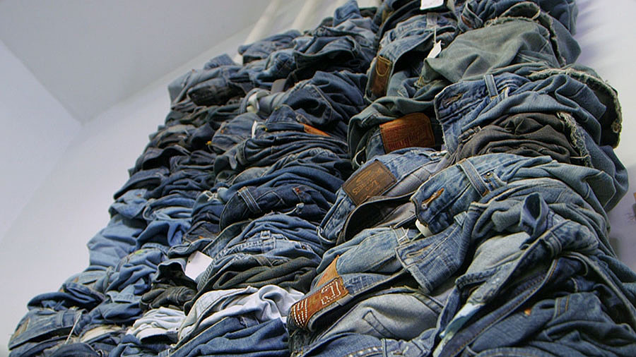 The Best Denim Care Tips to Preserve Your Jeans — Take Note!