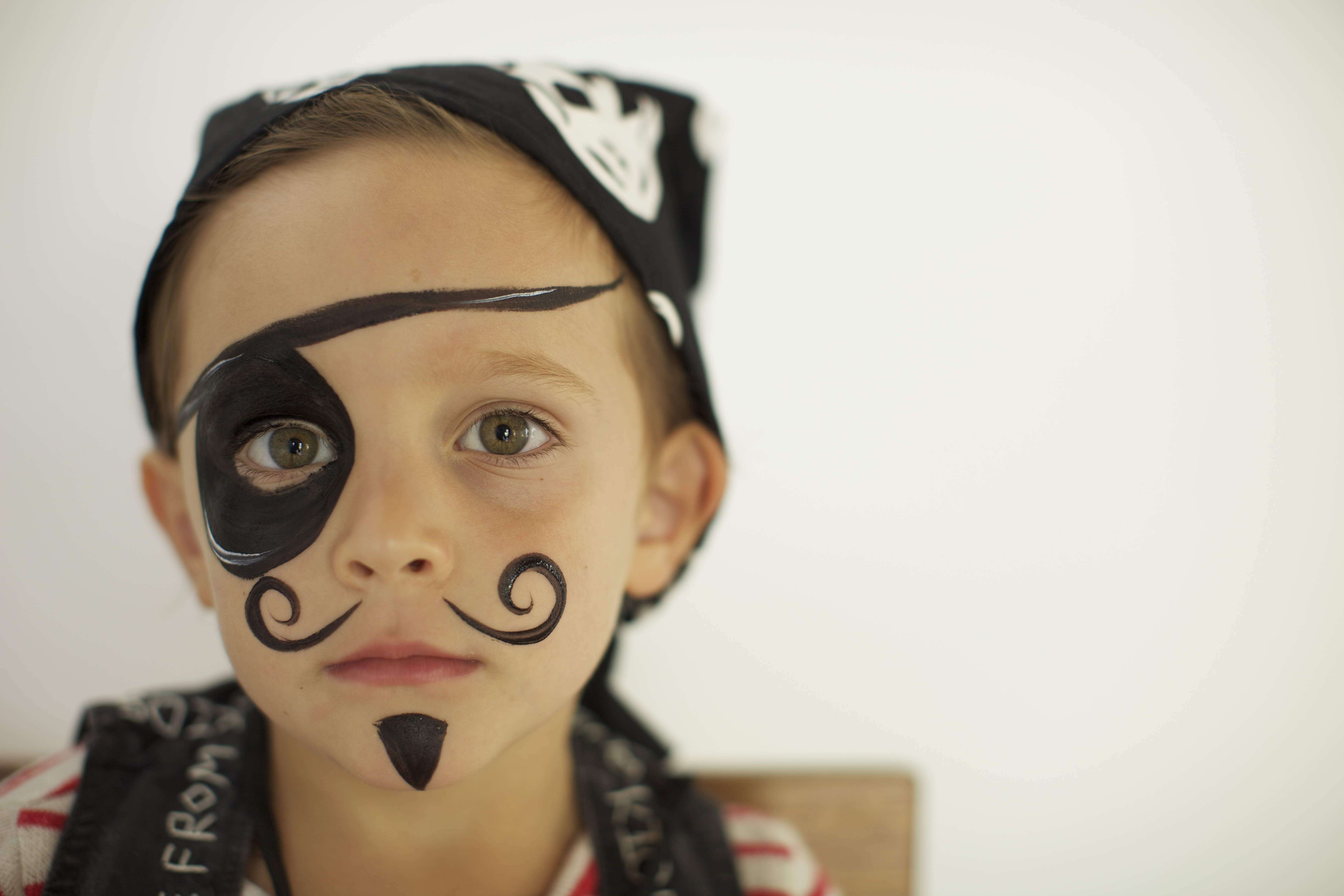 Face painting a hip pirate party thrown for a designer for Painting ideas for boys