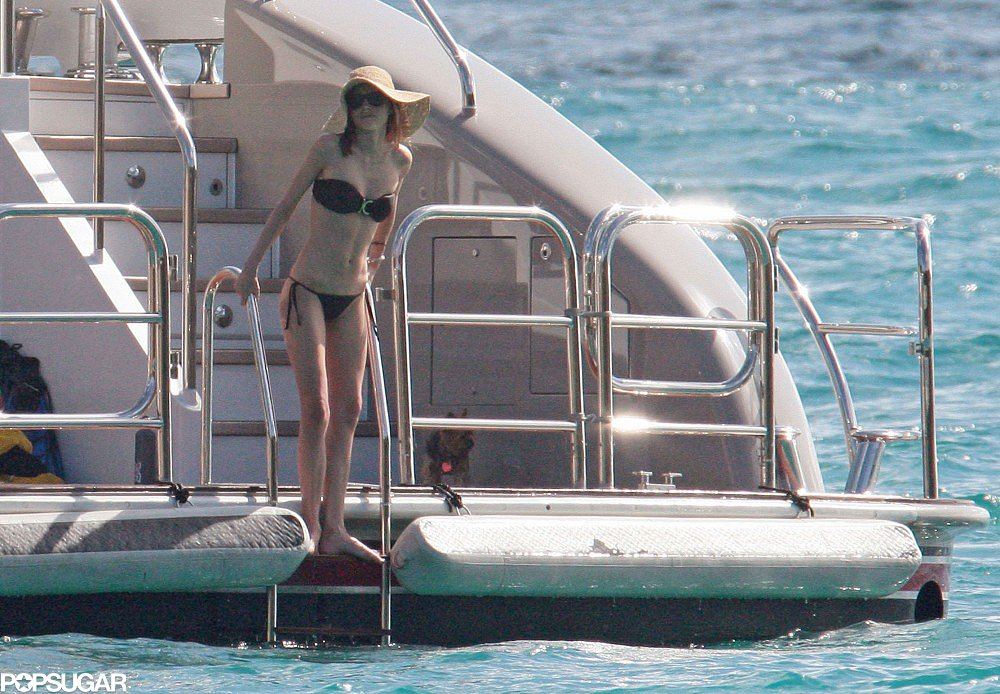 She rang in 2010 on a yacht in St. Barts with Orlando.