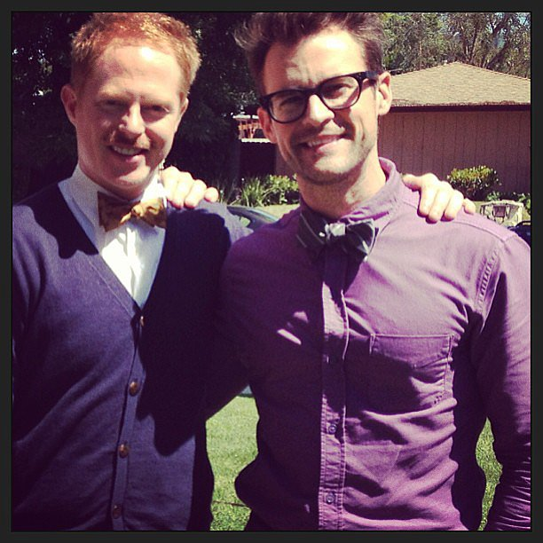 Photo of Jesse Tyler Ferguson & sein freund  Brad Goreski