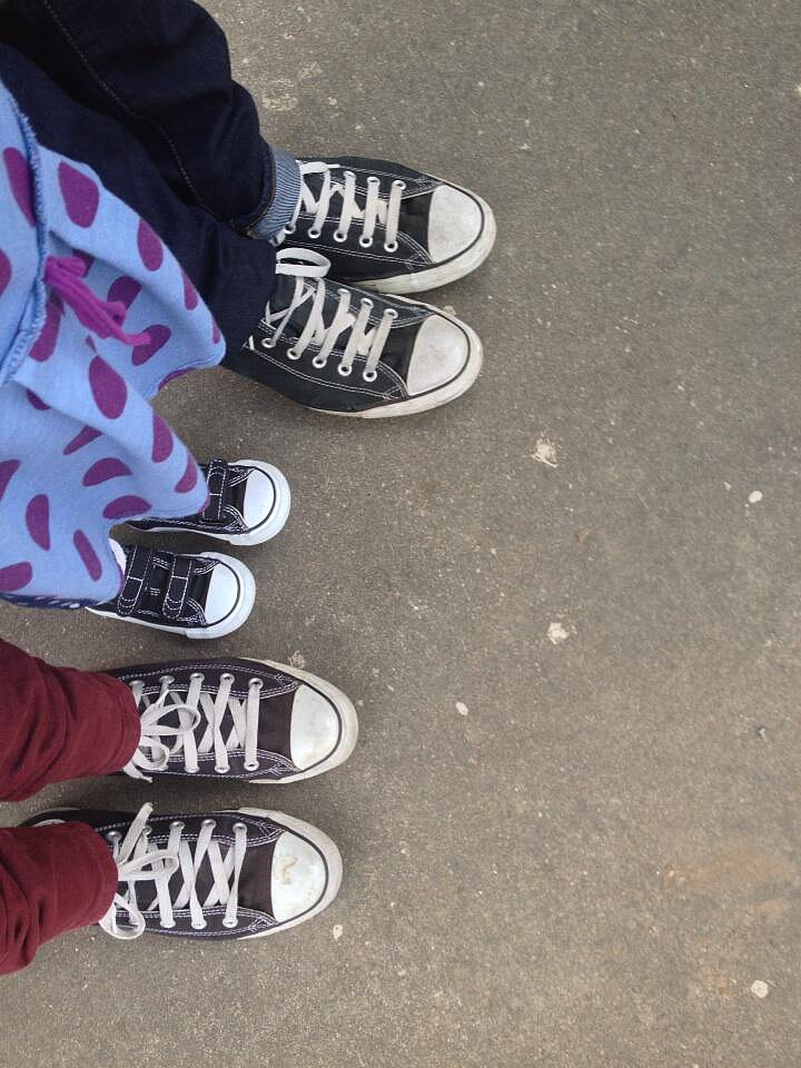 Matchy-matchy! Christina Applegate, her husband, Martyn, and her daughter, Sadie, all sported matching shoes this week. Source: Twitter user 1capplegate
