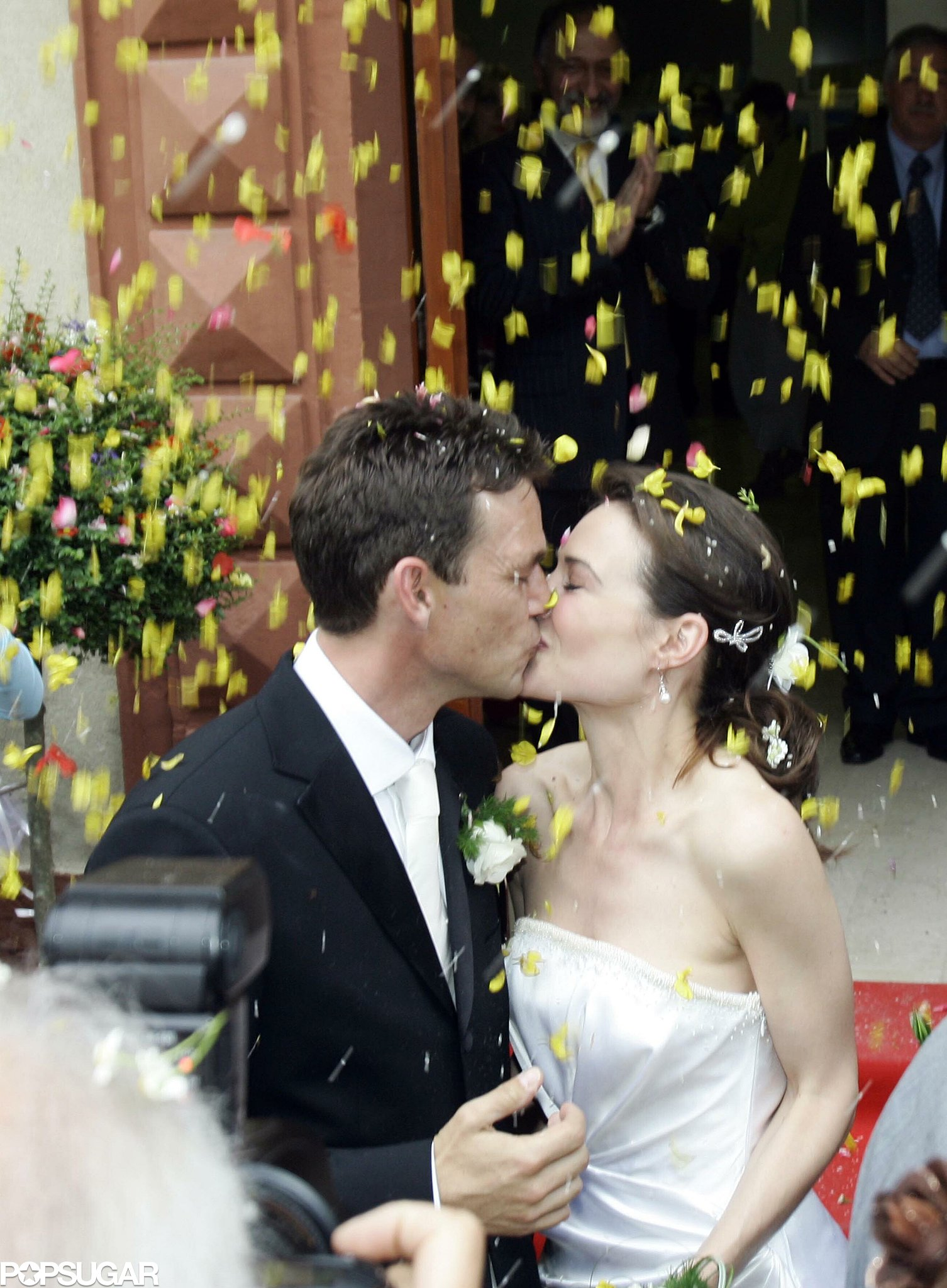 Claire Forlani and Dougray Scott wed June 2007 in Italy.