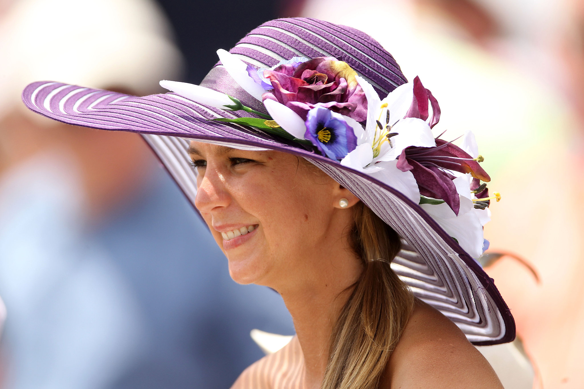 10 Amazing Kentucky Derby Hats - The Original Mane  n Tail ... 7efec339eac