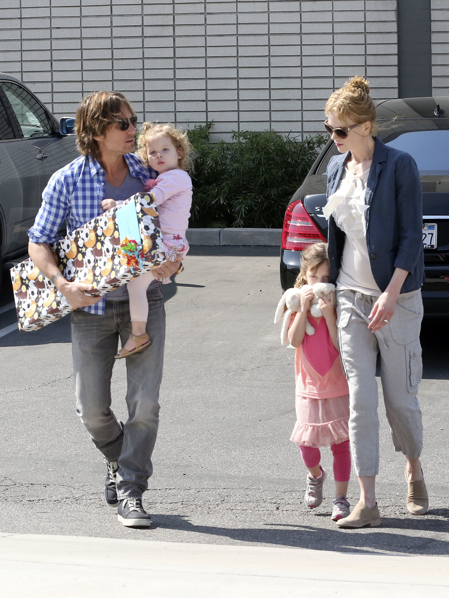 Nicole Kidman and Keith Urban took their daughters Sunday ...