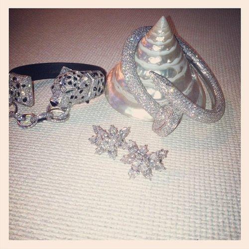 Holy diamonds! Miranda Kerr gave us a sneak peek at her amazing Cartier jewels. Source: Instagram user mirandakerr