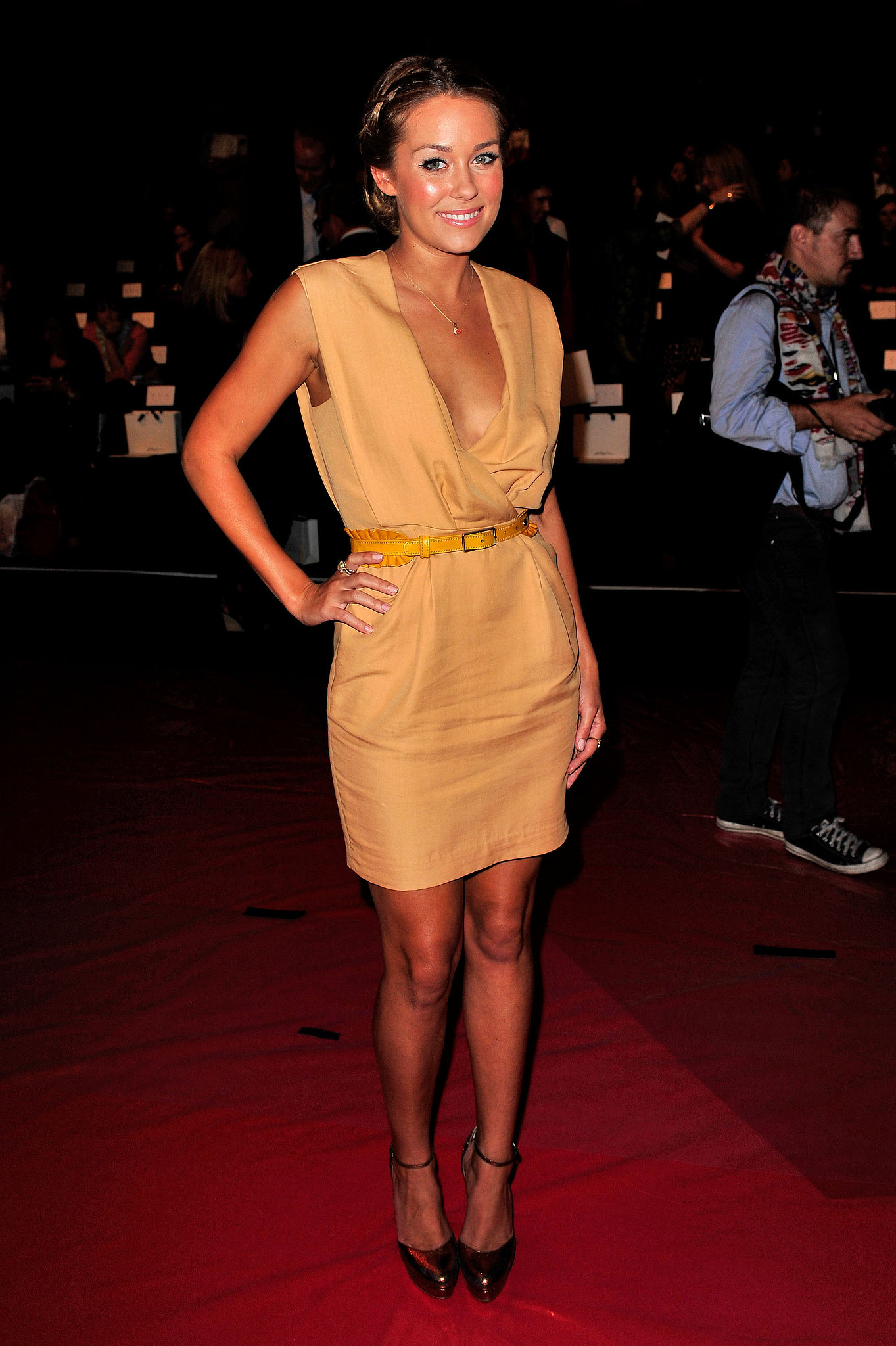 Donning a tan dress cinched with a yellow belt for an NYC event in 2010. Lesson from Lauren: tan and yellow fuse well together.