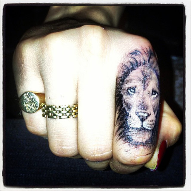 Cara Delevingne's Lion Finger Tattoo