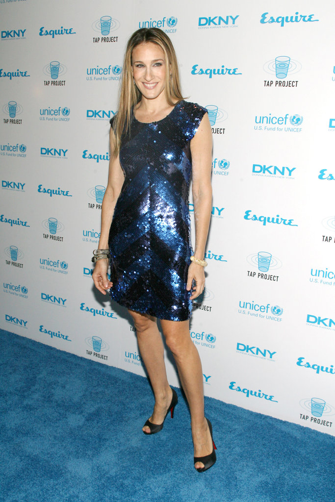 Parker dazzled in a two-toned sequined mini by Alice + Olivia at an Esquire party in 2007.