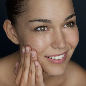 How to Remove Acne Scars and Dark Spots