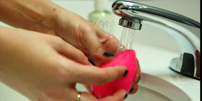 The Right Way to Use a Beautyblender Sponge