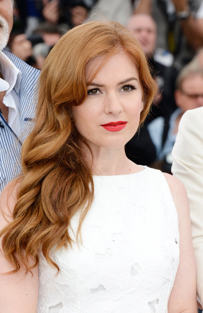Aussie beauty Isla Fisher rocked a red lip to The Great Gatsby photo call.