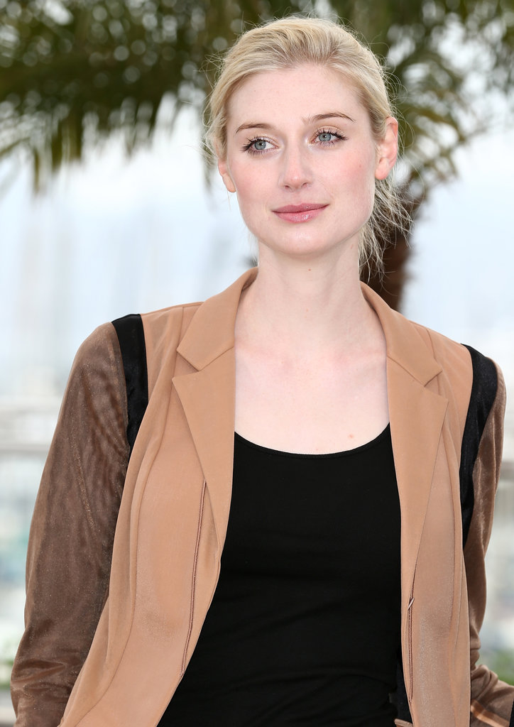 Elizabeth Debicki looked casual but chic at The Great Gatsby photo call.