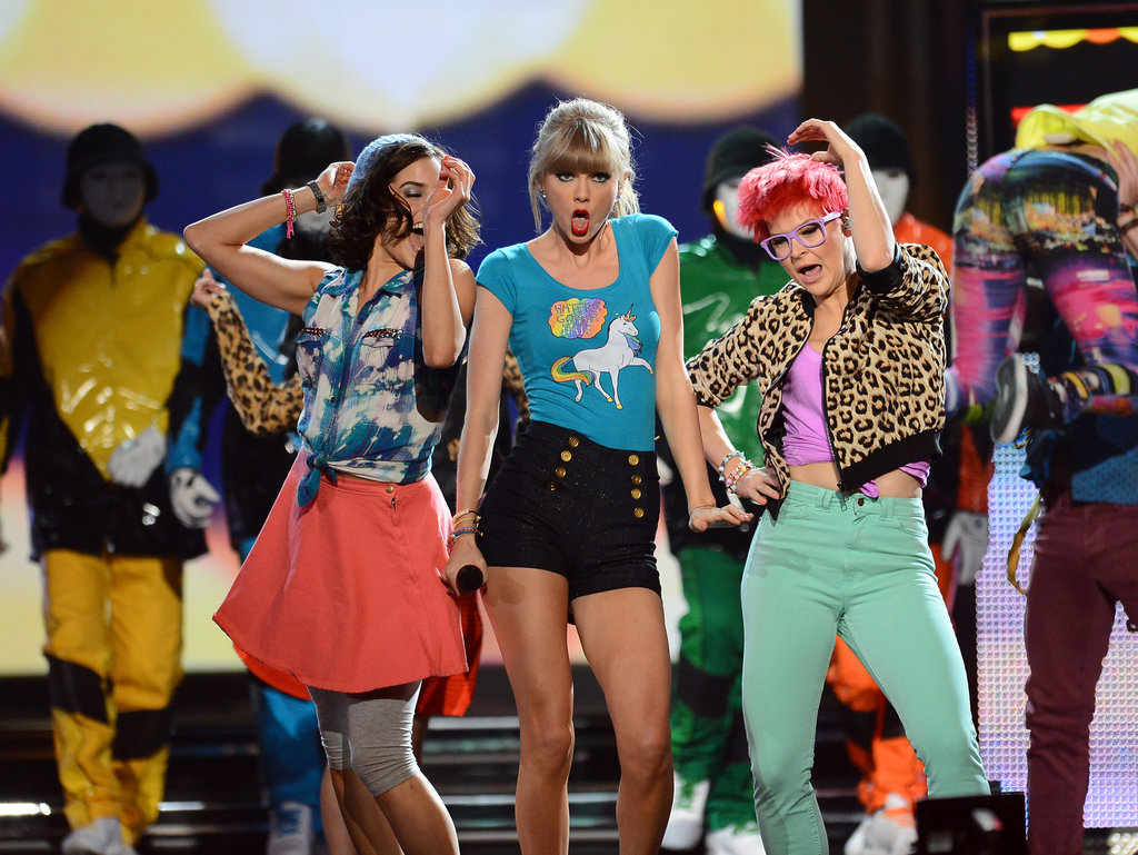 "Taylor Swift performs ""22"" at the Billboard Music Awards."