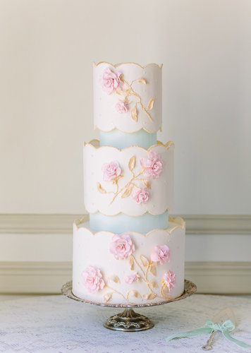 When people compare your cake to porcelain china, you know that it's all kinds of pretty.  Photo by Annabella Charles  via 100 Layer Cake