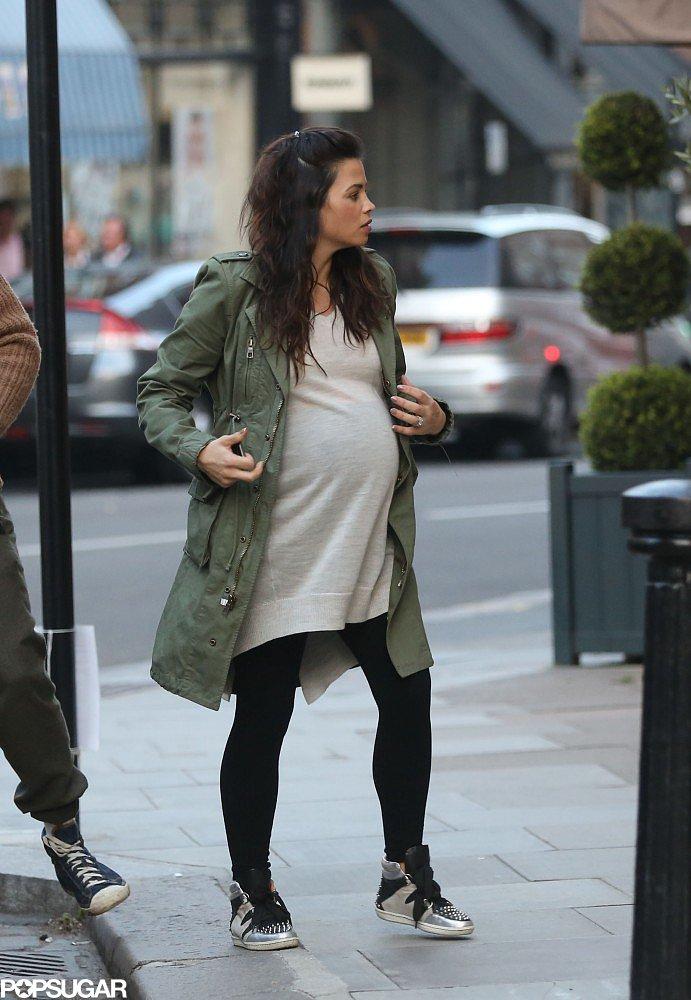 Jenna Dewan walked to the cinema in London.