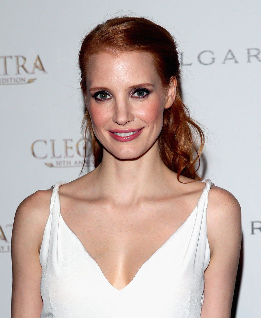 Jessica Chastain looked fresh as a daisy with a half-up, half-down 'do and pink makeup palette.