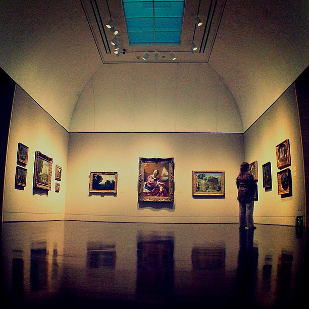 Tour an Art Gallery