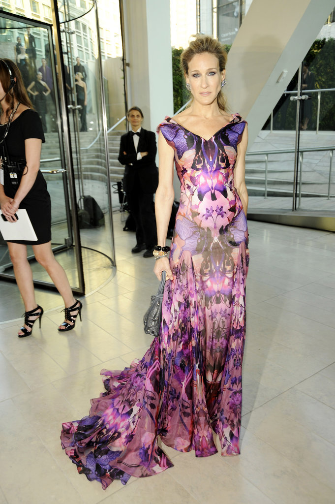 Always dependable for a glamorous red carpet statement, Sarah Jessica Parker picked an Alexander McQueen gown with a bold print and liquid train in 2010.