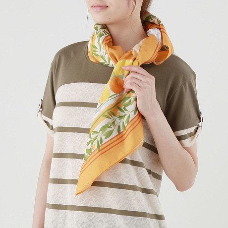 オレンジスカーフ